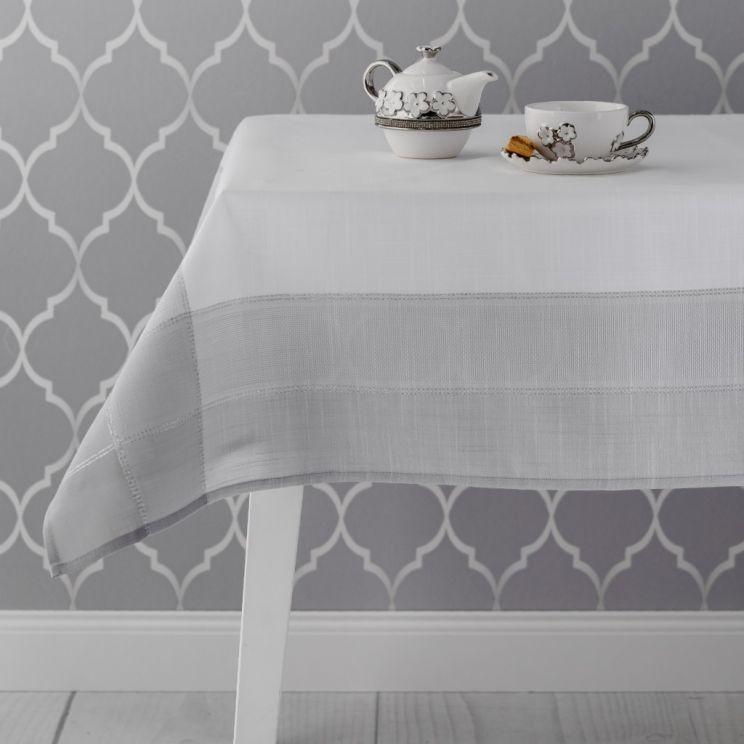 Cardinal  Tablecloth