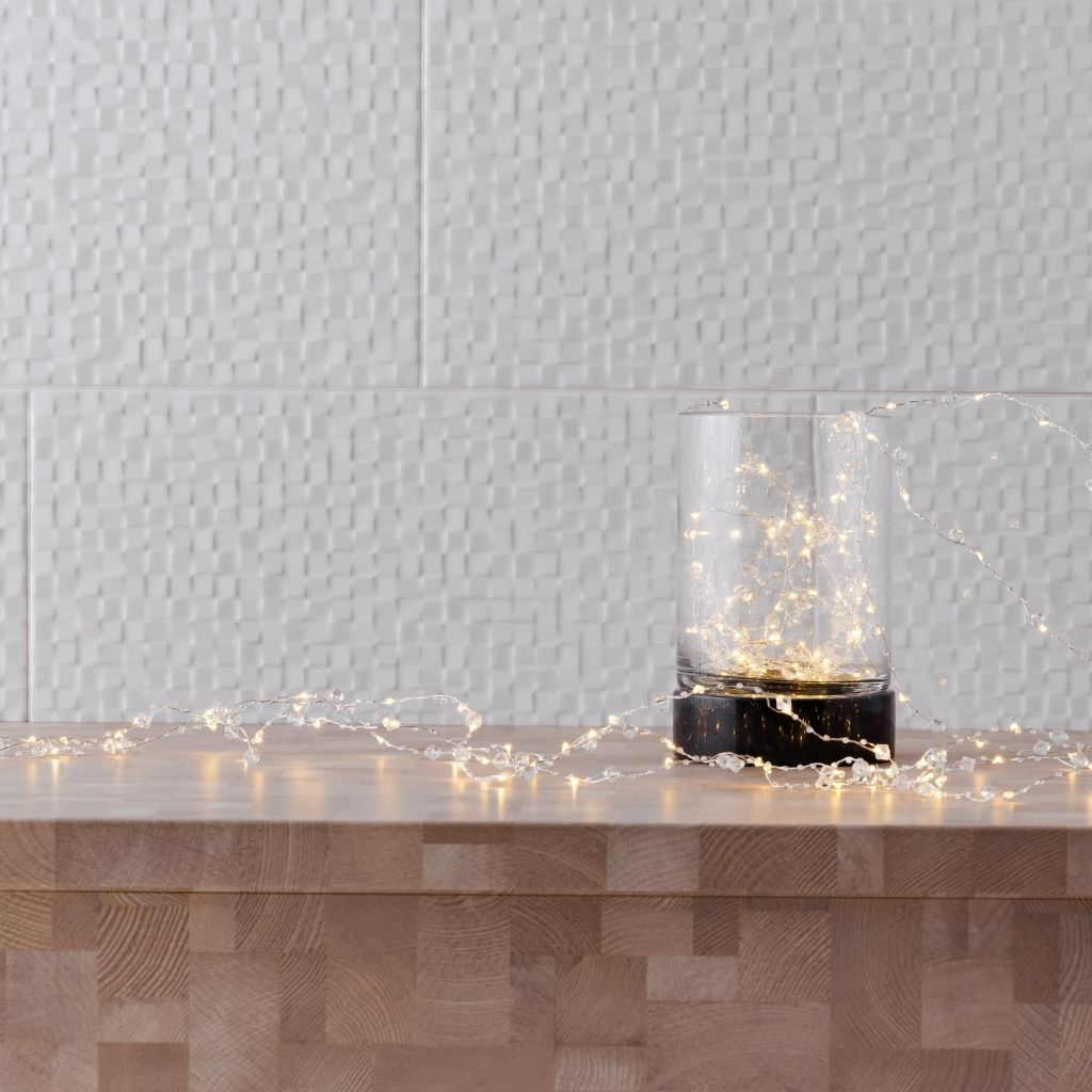 Łańcuch-świecący-na-choinkę-proste-ozdoby-świąteczne